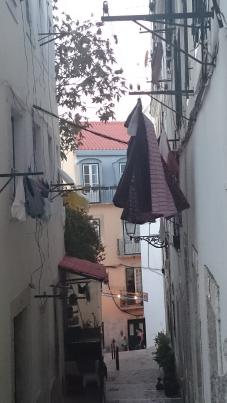 Holidays-in-Portugal-City-Break-tours-lisbon-walking2