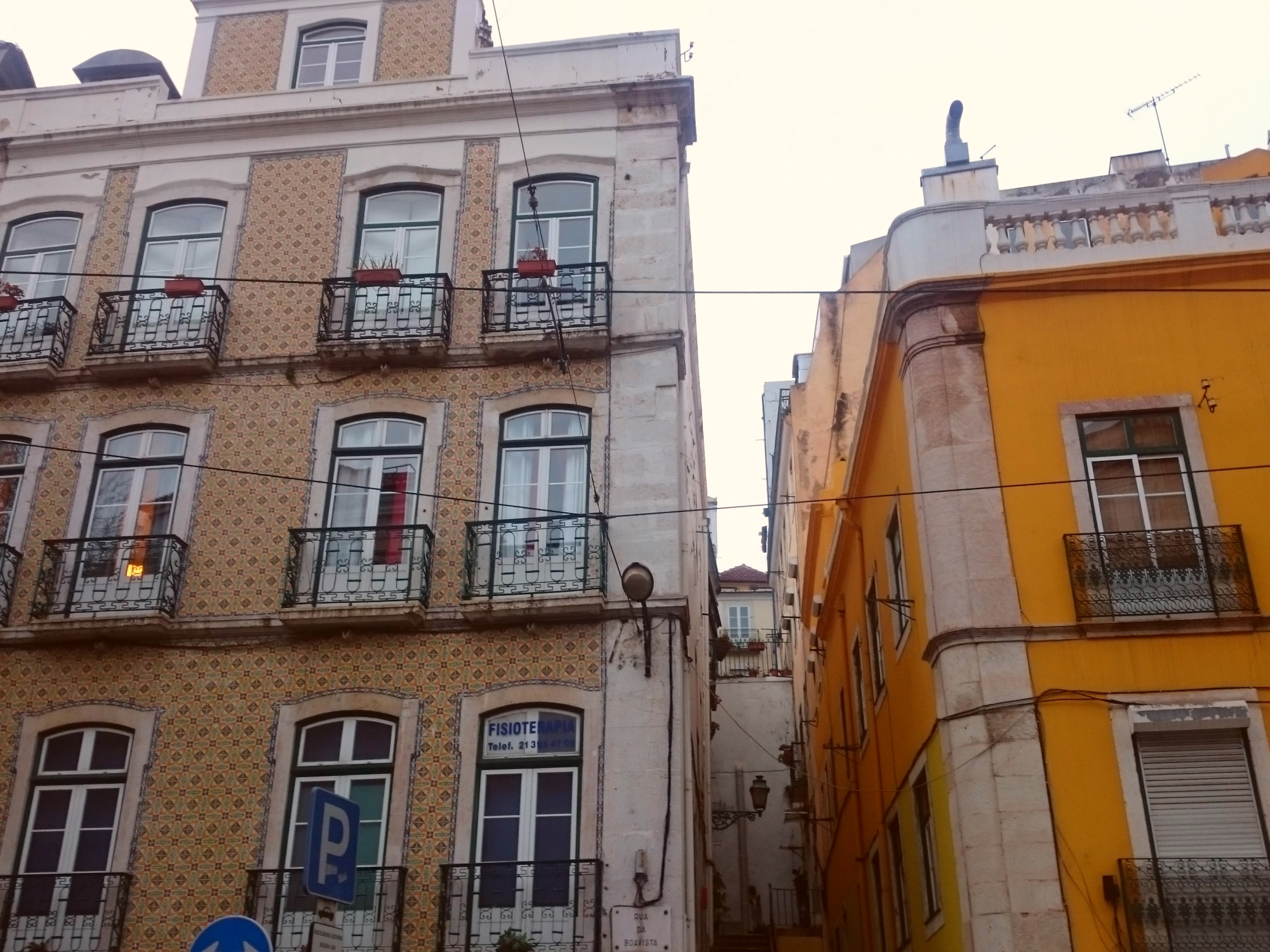 Holidays-in-Portugal-City-Break-tours-lisbon-tiles