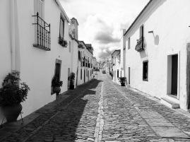 Holidays-in-Portugal-City-Break-tours-monsaraz4