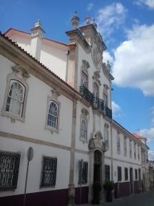holidays-to-portugal-city-break-lousa1